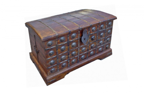Chests & trunks