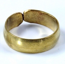 brass toe ring, goat jewellery - gold